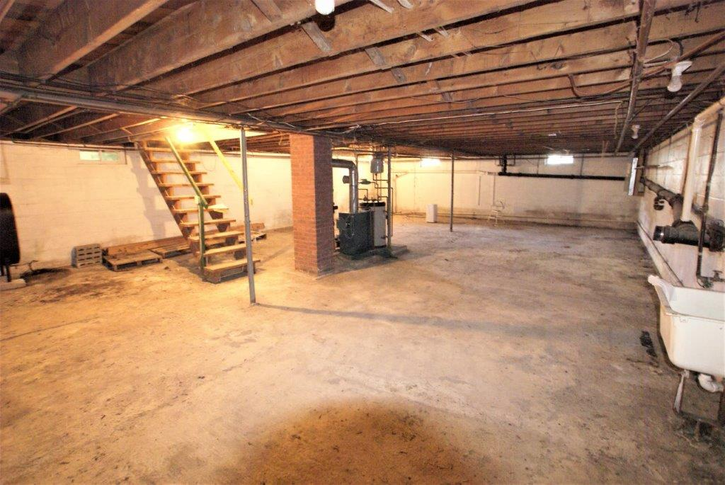 Easy Care Ranch - Basement