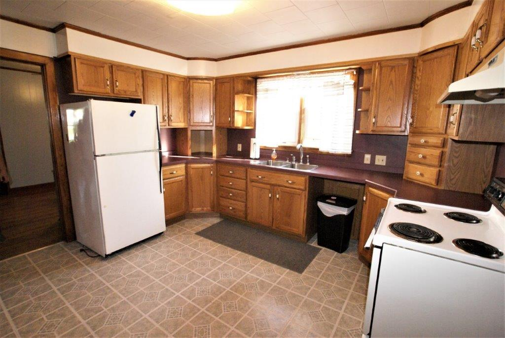 Easy Care Ranch - Kitchen