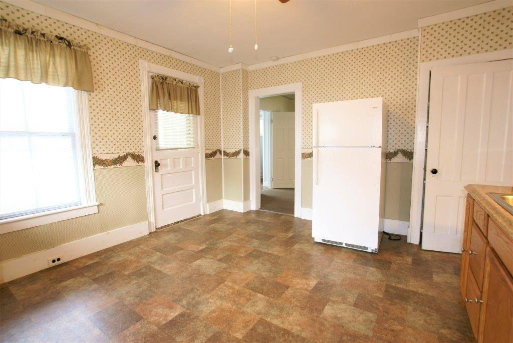 Nice Location - Kitchen Area - DC Realty